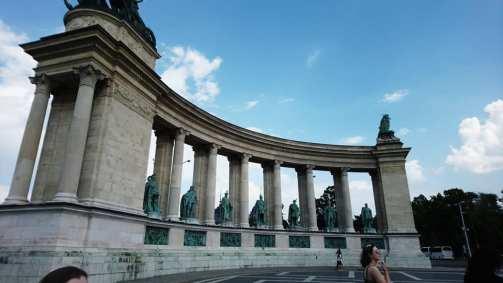 monument square n